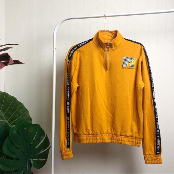 NWOT >> MTV Sweatshirt >> M